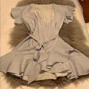 Wrap dress with tie and ruffle detail